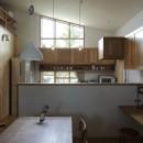 自然体で暮らす平屋~光・風・緑を取り込む家~の写真 ダイニングキッチン