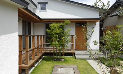 自然体で暮らす平屋~光・風・緑を取り込む家~
