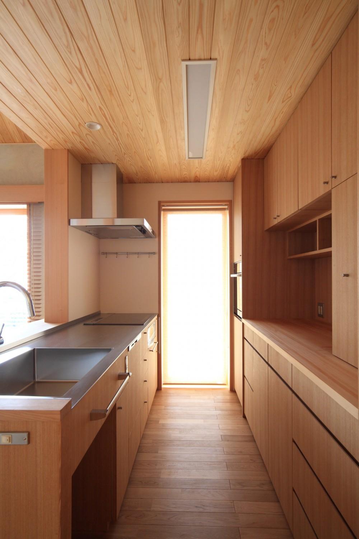 自然の恵みと暮らす家 (キッチン)