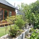 自然の恵みと暮らす家の写真 庭