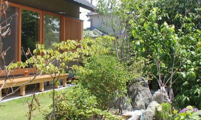 自然の恵みと暮らす家~老後を穏やかに暮らす家~ (庭)