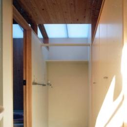 鉄と杉/Kaさんの家 (2階洗面脱衣室)