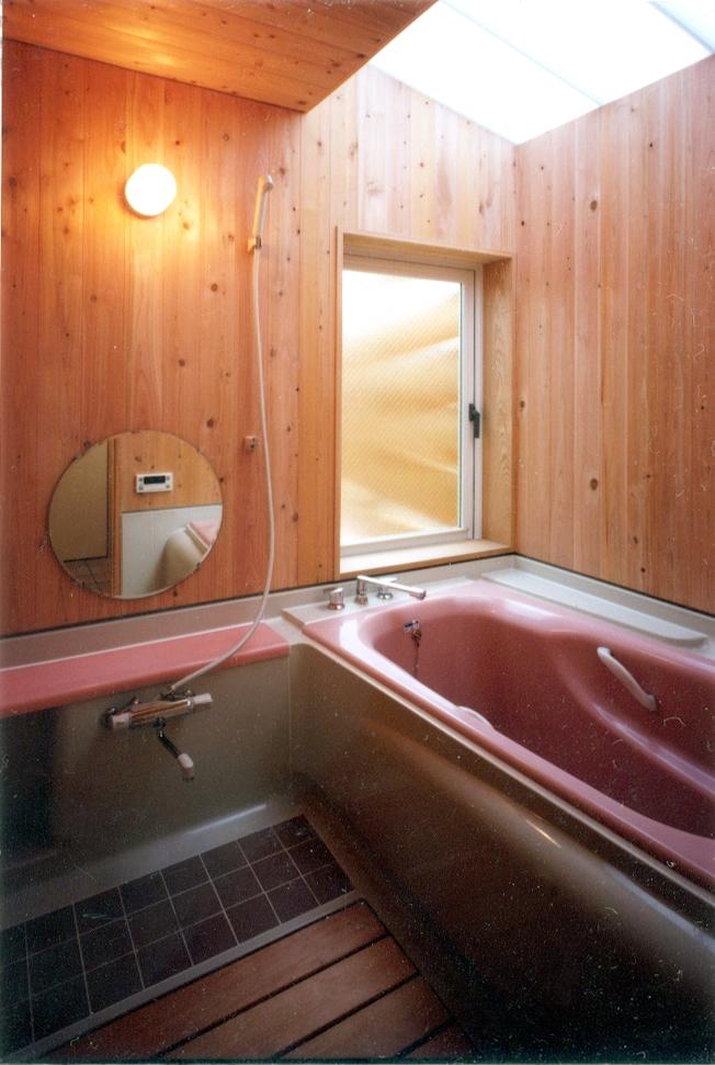 鉄と杉/Kaさんの家の写真 2階浴室