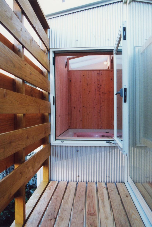 鉄と杉/Kaさんの家の部屋 2階北側バルコニー