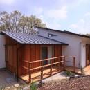 雑木林の小さな家の写真 外観
