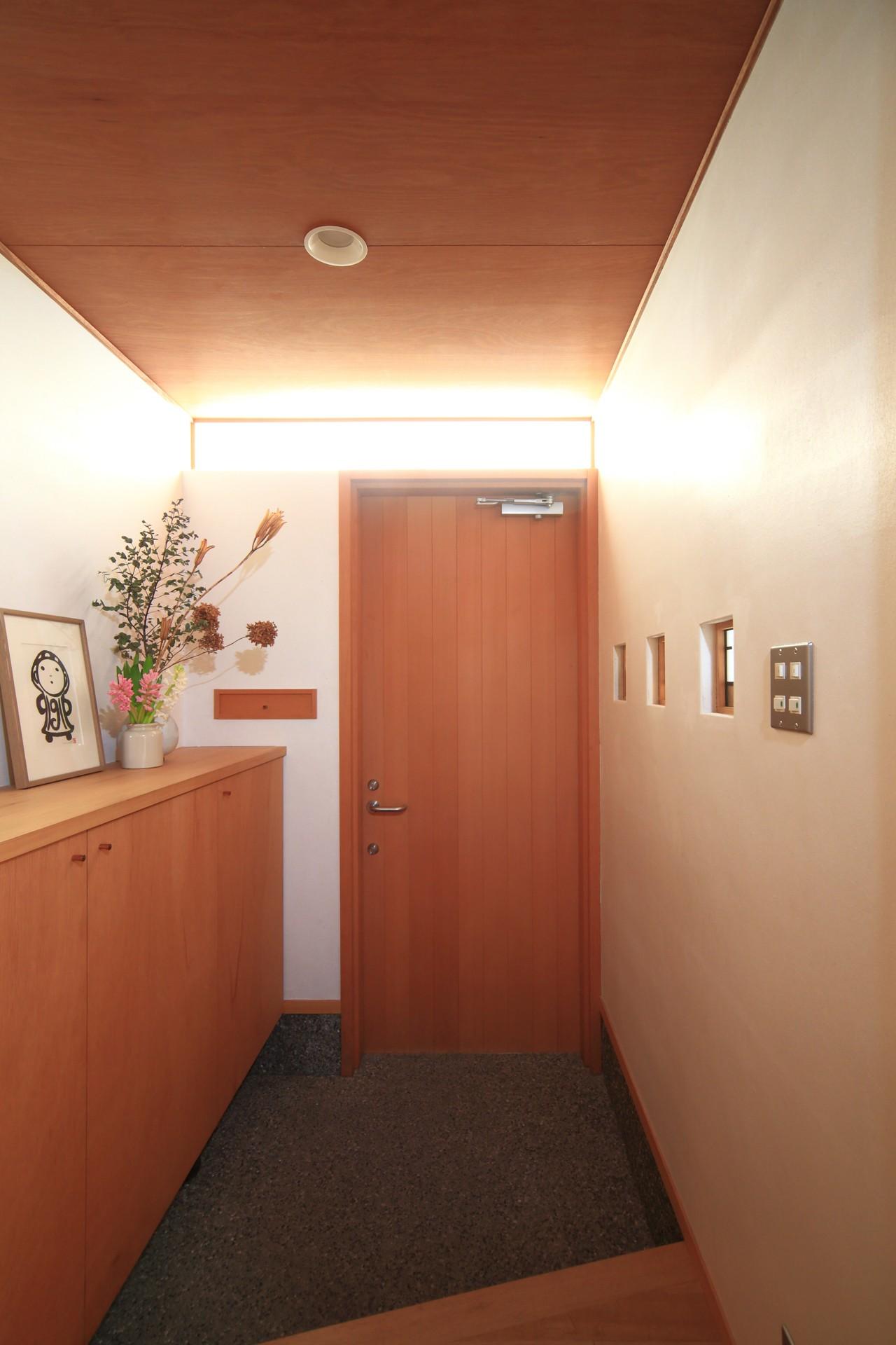 玄関事例:玄関(雑木林の小さな家)
