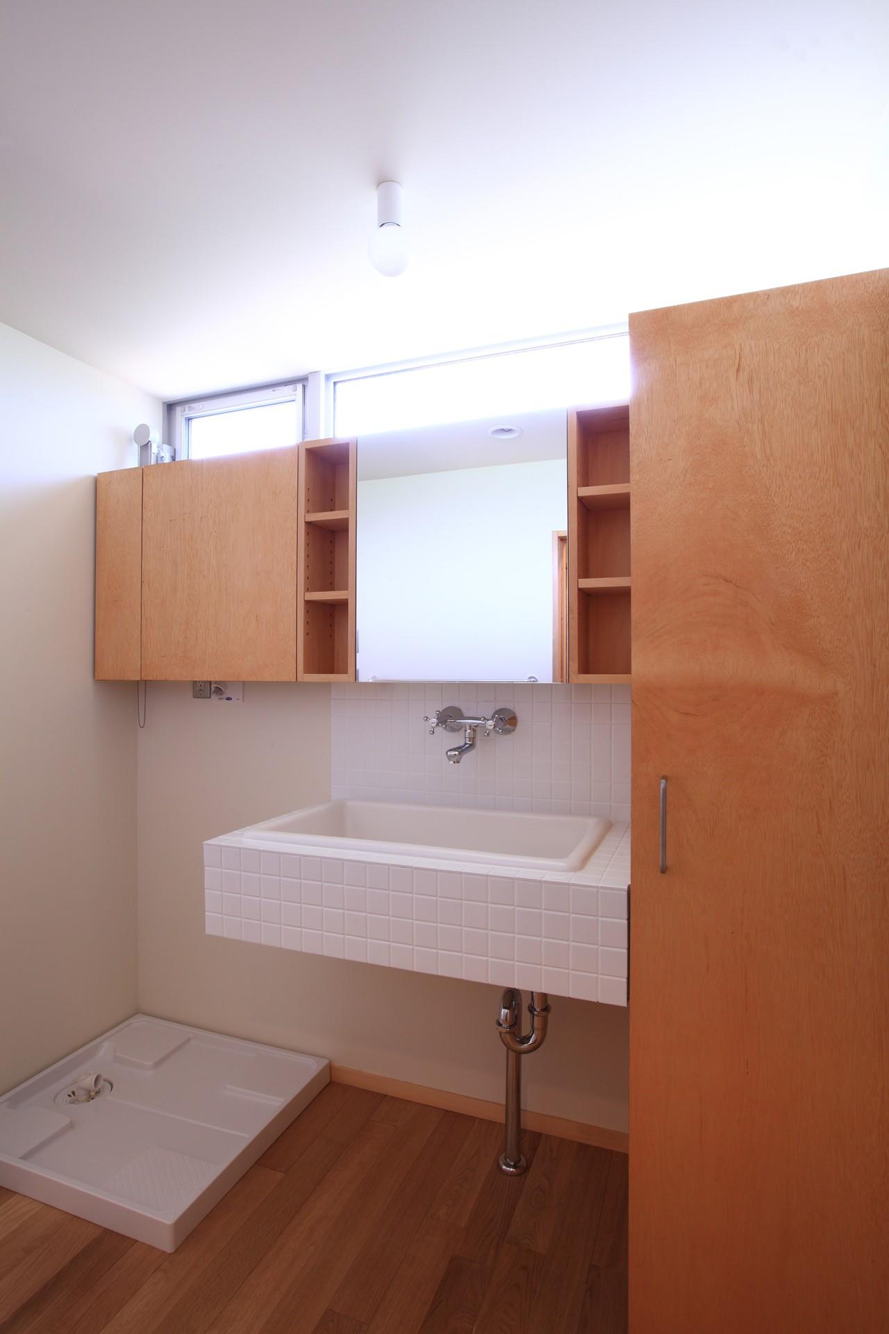 バス/トイレ事例:洗面所(雑木林の小さな家)