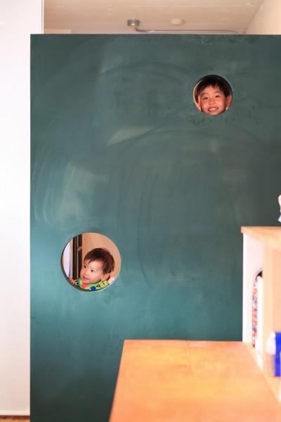 AME TO MUCHI~「あそび」と「まなび」が隣り合う、子供との毎日が楽しい住まい。~ (黒板塗料)