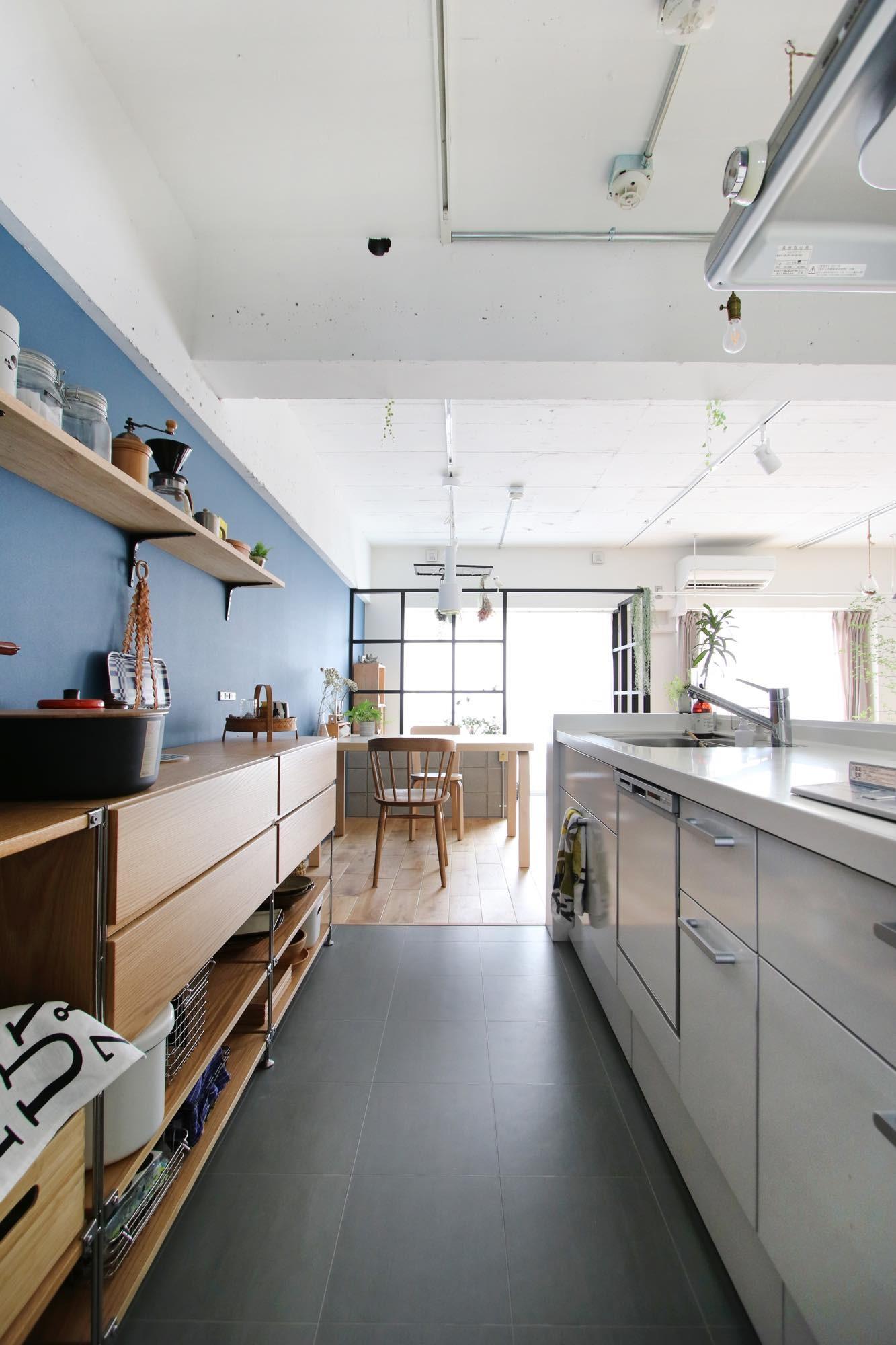 キッチン事例:キッチン(ブルーグレーの映える北欧空間)