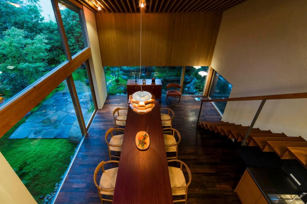 奈良の住宅 (ダイニング吹き抜け)