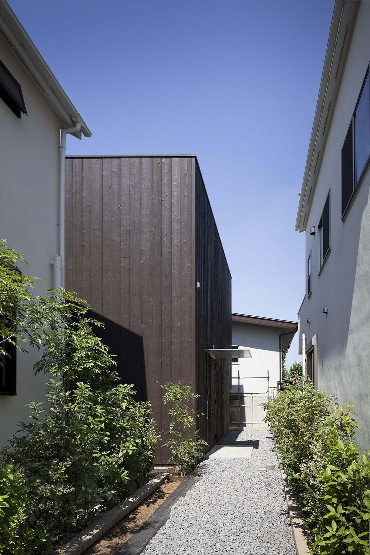 岡本の住宅 (アプローチ)