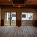 大阪府東大阪市O様 新築施工事例の写真 大きな窓で明るい空間に