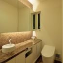 分節と連続の家の写真 トイレ