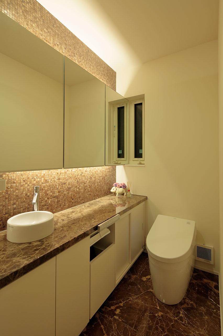 バス/トイレ事例:トイレ(分節と連続の家)