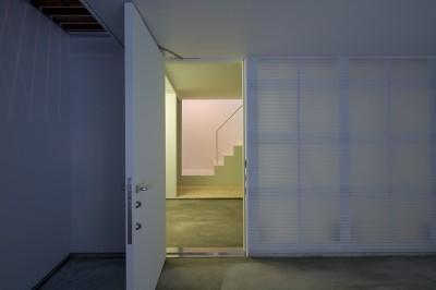 玄関 (南加瀬の住宅)