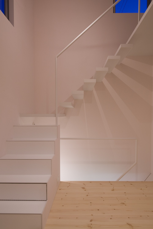 南加瀬の住宅 (階段)