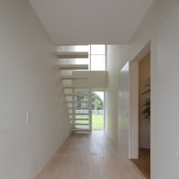 鷹ノ巣の2世帯住宅 (玄関)