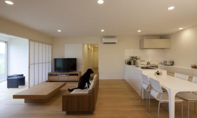 鷹ノ巣の2世帯住宅 (1階LDKスペース)