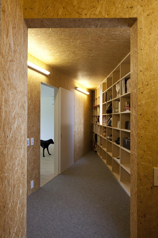 鷹ノ巣の2世帯住宅 (2階収納スペース)