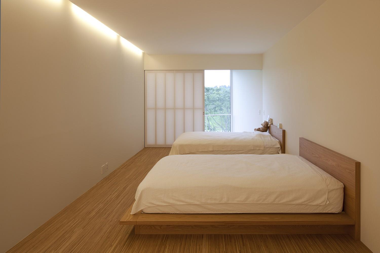 ベッドルーム事例:2階寝室(鷹ノ巣の2世帯住宅)