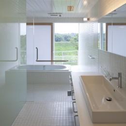 鷹ノ巣の2世帯住宅 (2階洗面脱衣室,浴室)