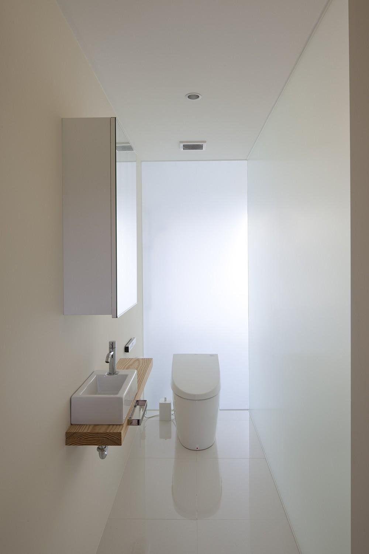 バス/トイレ事例:2階トイレ(鷹ノ巣の2世帯住宅)