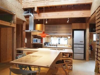 ダイニング・キッチン (両親が建てた家をリノベして住み継ぐ|Sumire house)