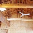 両親が建てた家をリノベして住み継ぐ|Sumire houseの写真 新旧の太鼓梁の競演