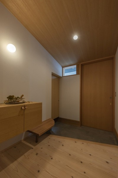 玄関 (舞岡の家)