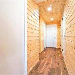 Mökki ~フィンランドの山小屋風に~ (廊下)