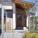 緑あふれる癒しの家の写真 アプローチ