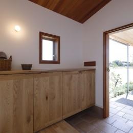 緑あふれる癒しの家 (玄関)