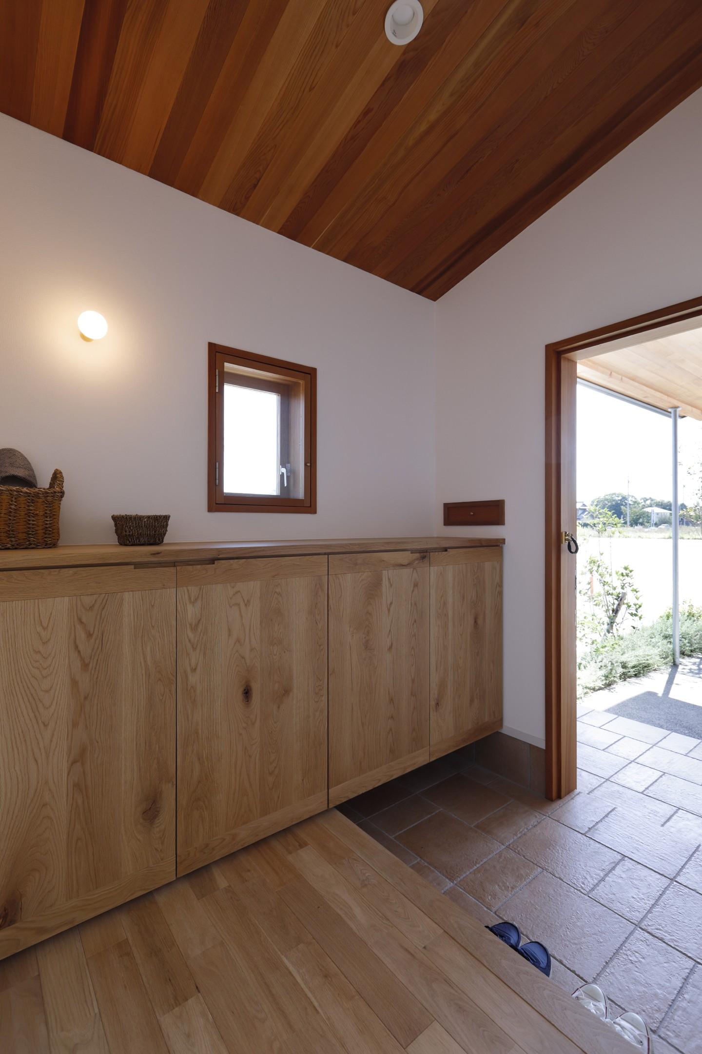 玄関事例:玄関(緑あふれる癒しの家)