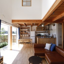 緑あふれる癒しの家~アンティークやグリーンが映えるカフェのような家~