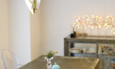 S邸-壁に色を塗りたい!夢とこだわりの詰まった寝室 (テーブル)