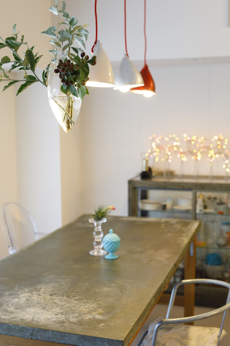 リビングダイニング事例:テーブル(S邸-壁に色を塗りたい!夢とこだわりの詰まった寝室)