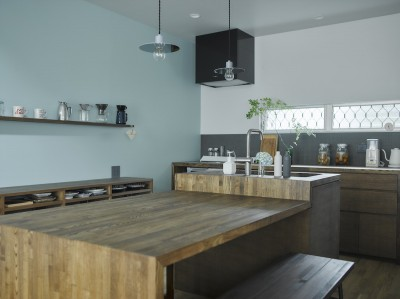 キッチン (salon-「ここだけ」のリノベでつくる自分たちらしい空間)