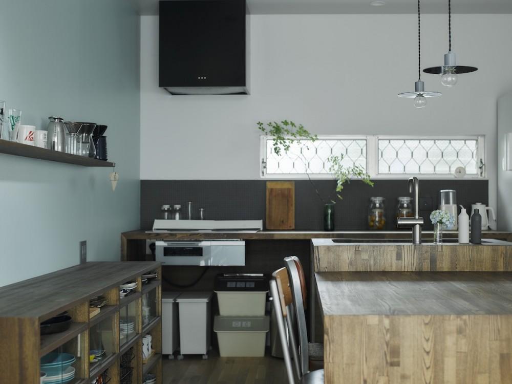 salon-「ここだけ」のリノベでつくる自分たちらしい空間 (キッチン)