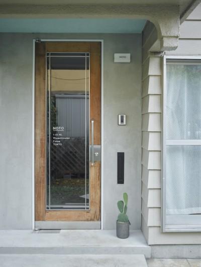 玄関 (salon-「ここだけ」のリノベでつくる自分たちらしい空間)