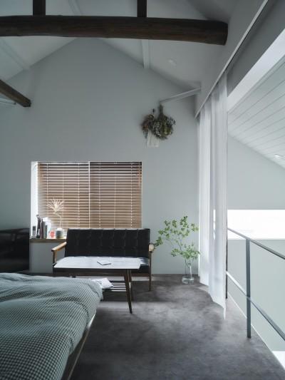 寝室 (salon-「ここだけ」のリノベでつくる自分たちらしい空間)