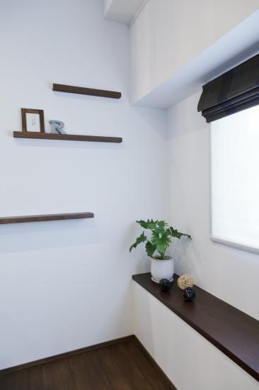 Sunny warm styleの部屋 窓際のベンチ