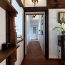 古民家移築のゲストルームを住宅に/歴梁の写真 廊下