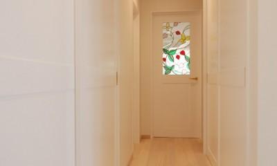 風見鶏の家~夢をかなえる住まい (ステンドガラス入り扉)
