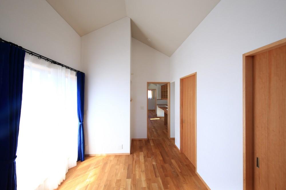 家族の時間を楽しむ家~北欧インテリアの家~ (寝室)