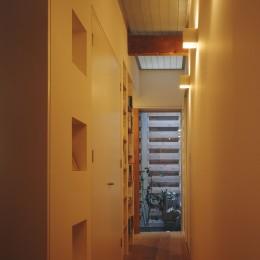 光庭の家 – 敷地条件を諦めない改修<リノベーション> –