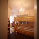 光庭の家 – 敷地条件を諦めない改修<リノベーション> –の写真 子供部屋