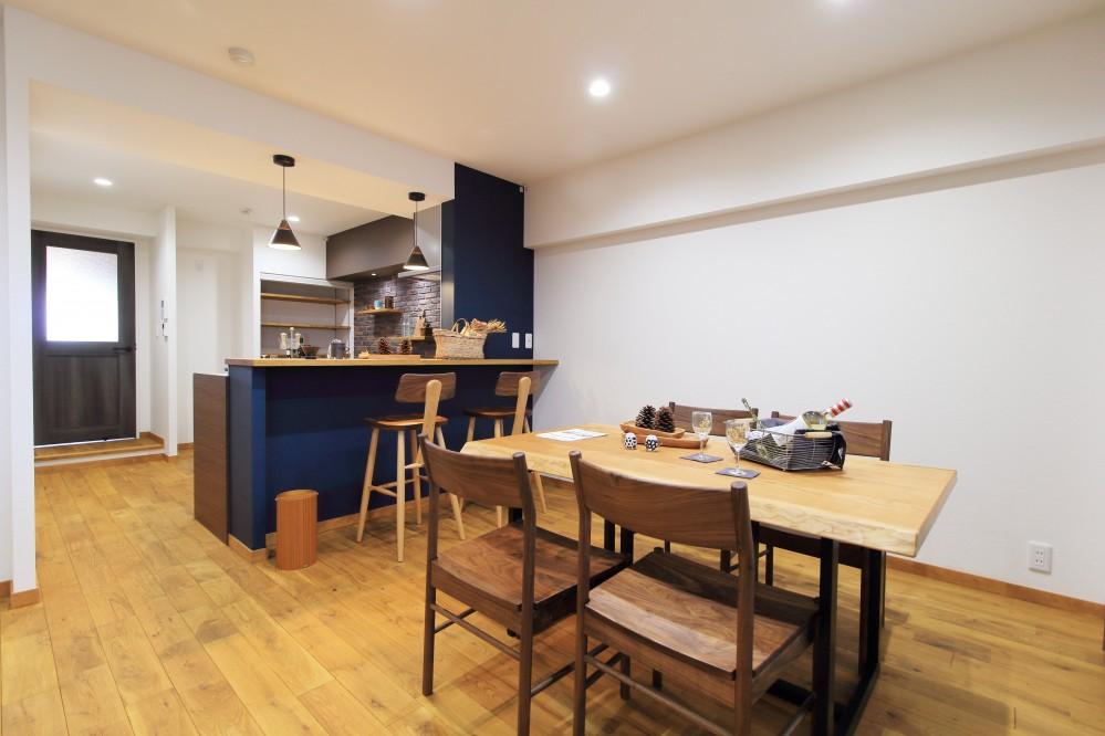 LDK(リビングからキッチン) (ModernLuxuryな空間を、街中で。)