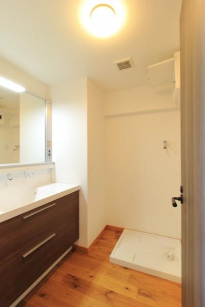 洗面 (ModernLuxuryな空間を、街中で。)