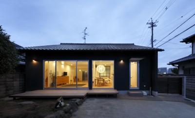 南からの夕景 (回遊できる家 – 長く子供と仲良く、築46年の回遊できる家<リノベーション> –)