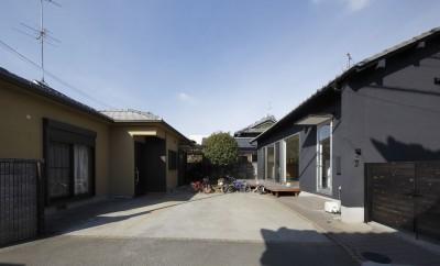 回遊できる家 – 長く子供と仲良く、築46年の回遊できる家<リノベーション> – (東からの外観)